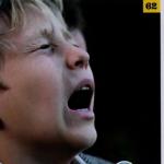 Ο «J.A.C.E.» σε σπαρακτικό φωτογραφικό απόσπασμα από την παιδική του ηλικία, όπως δημοσιεύτηκε στην ειδική έκδοση του Αθηνοράματος, στα τέλη Οκτωβρίου…